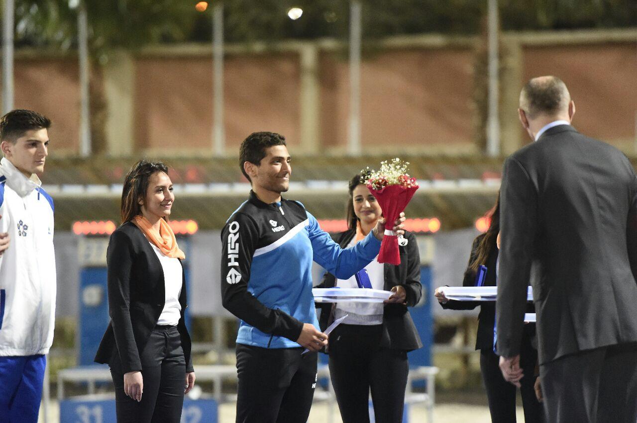اسلام حامد لاعب منتخب مصر اثناء استلام الميدالية على منصة التتويج فى نهائي كأس العالم للخماسي 2017